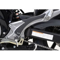 Adhésif anti-frottement R&G RACING platine repose-pieds noir 2 pièces Suzuki Gladius SFV 650